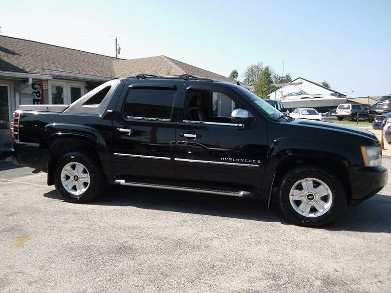 2008 Chevrolet Avalanche for sale at Revolution Motors LLC in Wentzville MO