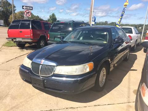 2001 Lincoln Town Car for sale in Osage Beach, MO