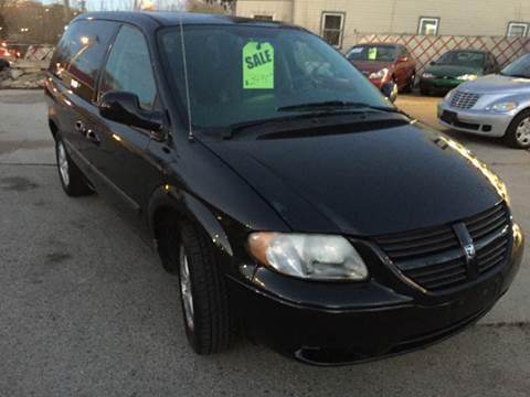 2005 Dodge Caravan for sale in Hartford, WI