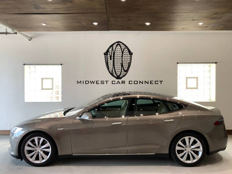 2015 Tesla Model S for sale at Midwest Car Connect in Villa Park IL