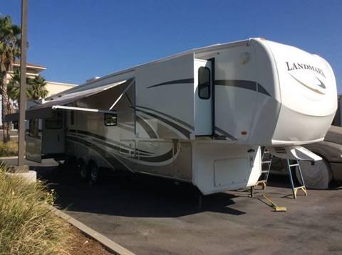 2009 Heartland Landmark 5Th wheel Oakmont 39' for sale at Rancho Santa Margarita RV in Rancho Santa Margarita CA