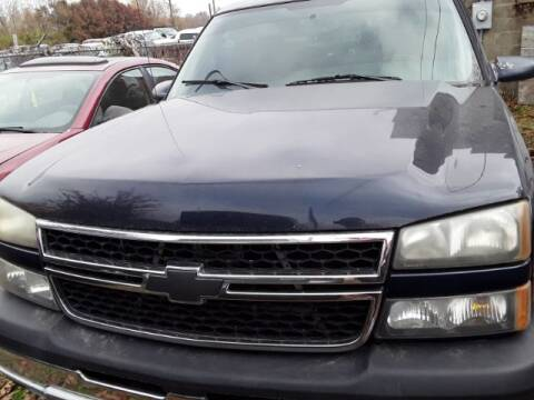 2006 Chevrolet Silverado 1500 SS Classic for sale at Midwestern Auto Sales in Middletown OH
