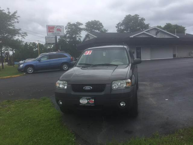 Ford Escape XLT In Waukegan IL Good Guys Auto - Good guys auto