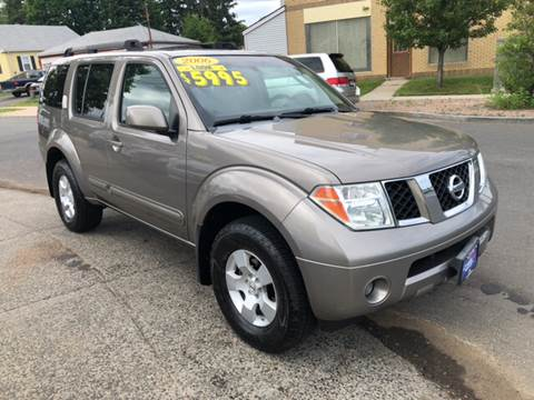 2006 Nissan Pathfinder for sale at CT AutoFair in West Hartford CT