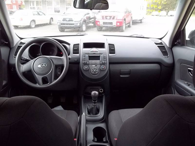 Very Nice Car, Great price.  5 Speed Manual Transmission   AM/FM MP3  Power Windows and Door Locks  Bluetooth Aux USB