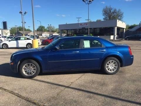 2010 Chrysler 300 for sale in Wichita, KS