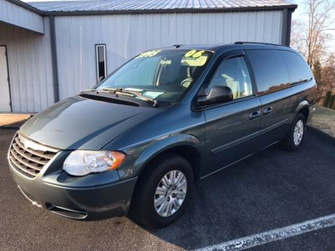 2006 Chrysler Town and Country for sale in Bluff City, TN
