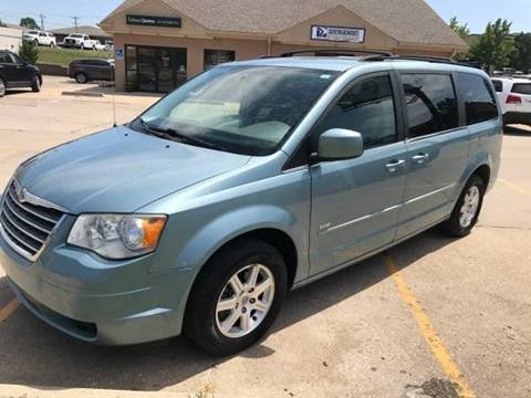 2008 Chrysler Town and Country for sale in Topeka, KS