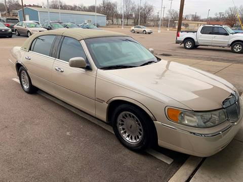 2001 Lincoln Town Car For Sale In Kansas Carsforsale Com