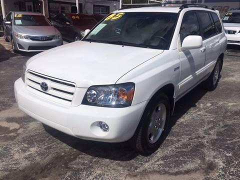 2005 Toyota Highlander for sale in Pompano Beach, FL