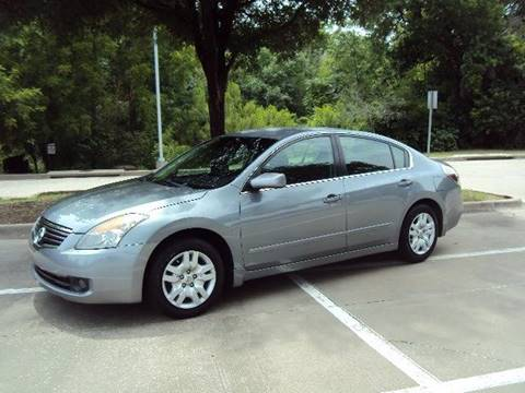 2009 Nissan Altima for sale at ACH AutoHaus in Dallas TX