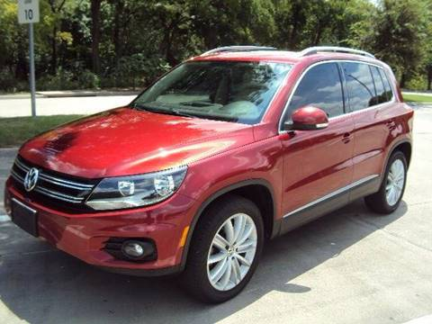 2012 Volkswagen Tiguan for sale at ACH AutoHaus in Dallas TX