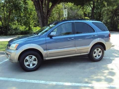 2003 Kia Sorento for sale at ACH AutoHaus in Dallas TX