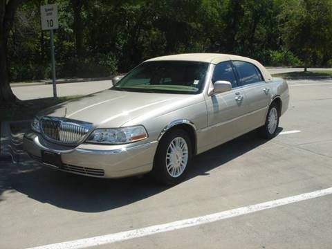 2008 Lincoln Town Car for sale at ACH AutoHaus in Dallas TX