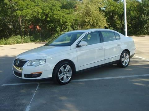 2009 Volkswagen Passat for sale at ACH AutoHaus in Dallas TX