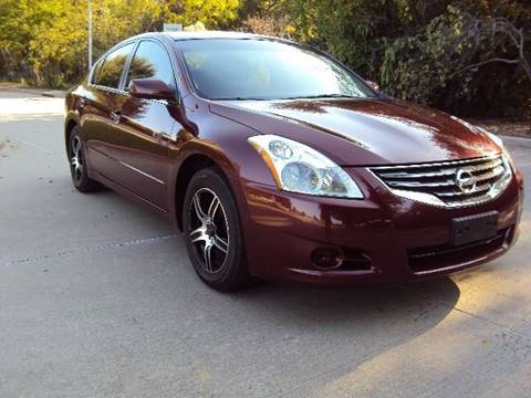 2010 Nissan Altima for sale at ACH AutoHaus in Dallas TX