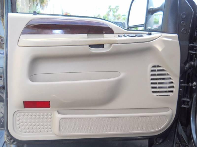 2006 Ford F-250 Super Duty Lariat 4dr Crew Cab 4WD SB - West Palm Beach FL