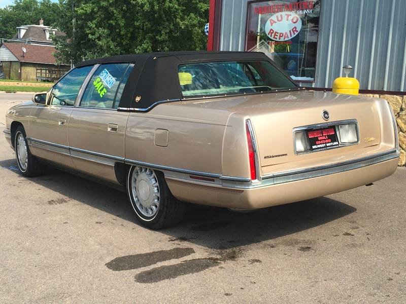 1996 Cadillac DeVille for sale at Midwest Motors of Savanna in Savanna IL