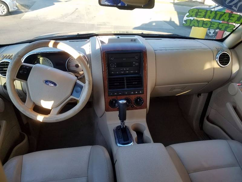 2006 Ford Explorer for sale at Midwest Motors of Savanna in Savanna IL