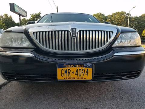 2008 Lincoln Town Car for sale at CarNation AUTOBUYERS, Inc. in Rockville Centre NY