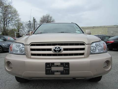 2005 Toyota Highlander for sale at CarNation AUTOBUYERS, Inc. in Rockville Centre NY