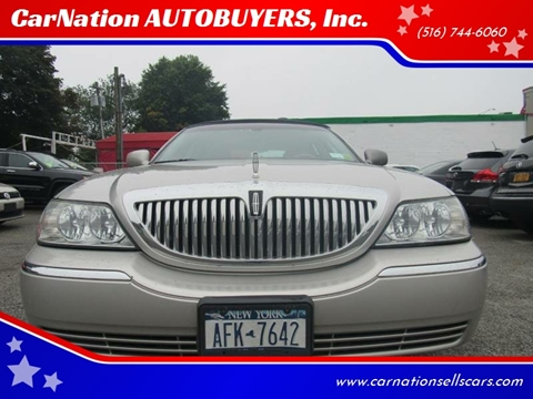 2004 Lincoln Town Car for sale at CarNation AUTOBUYERS, Inc. in Rockville Centre NY