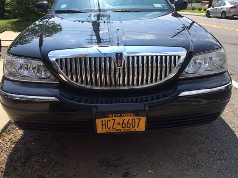 2011 Lincoln Town Car for sale at CarNation AUTOBUYERS, Inc. in Rockville Centre NY