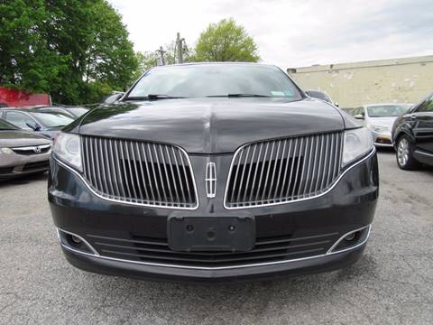 2013 Lincoln MKT Town Car for sale at CarNation AUTOBUYERS, Inc. in Rockville Centre NY