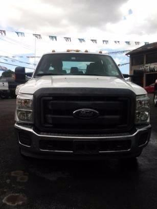 2012 Ford F-350 Super Duty 4x2 Lariat 4dr Crew Cab 176 in. WB DRW Chassis - Medley FL
