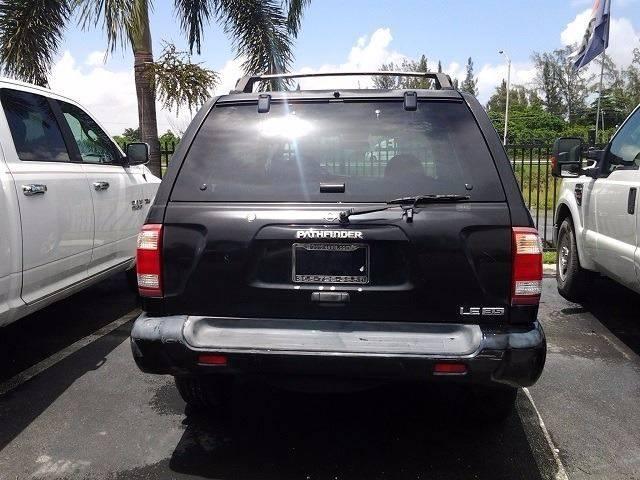 2001 Nissan Pathfinder SE 2WD 4dr SUV - Medley FL
