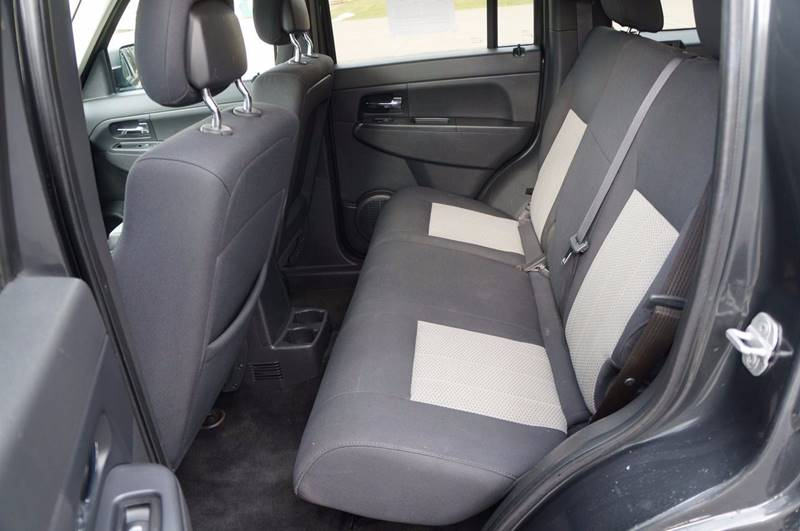 2010 Jeep Liberty 4x4 Sport 4dr SUV - Solon OH
