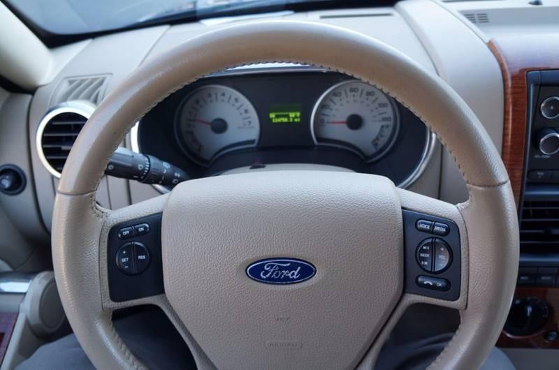 2008 Ford Explorer 4x4 Eddie Bauer 4dr SUV (V6) - Solon OH