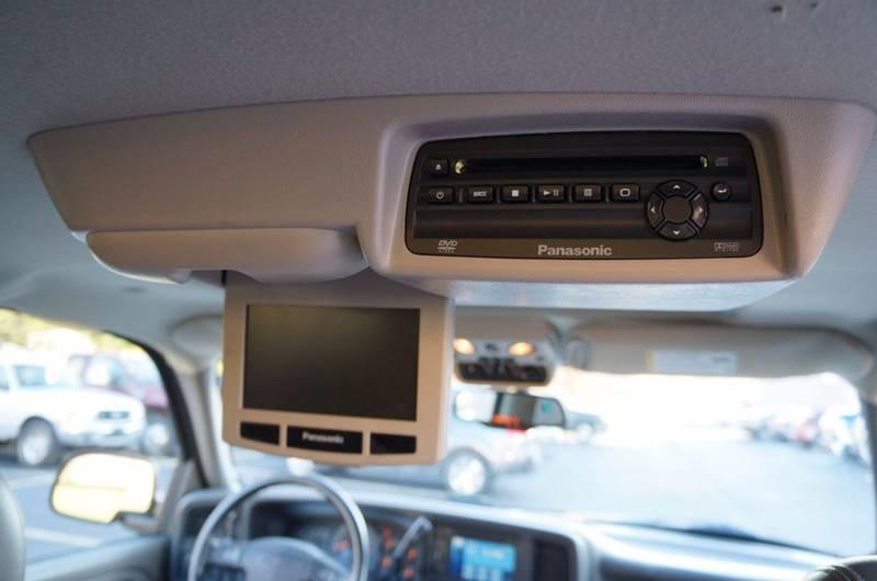 2005 Chevrolet Suburban 1500 LT 4WD 4dr SUV - Solon OH