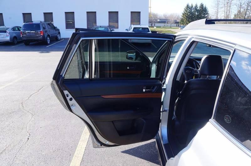 2014 Subaru Outback AWD 2.5i Limited 4dr Wagon - Solon OH