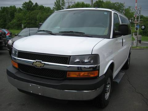 2015 Chevrolet Express Passenger for sale in Bloomfield, CT