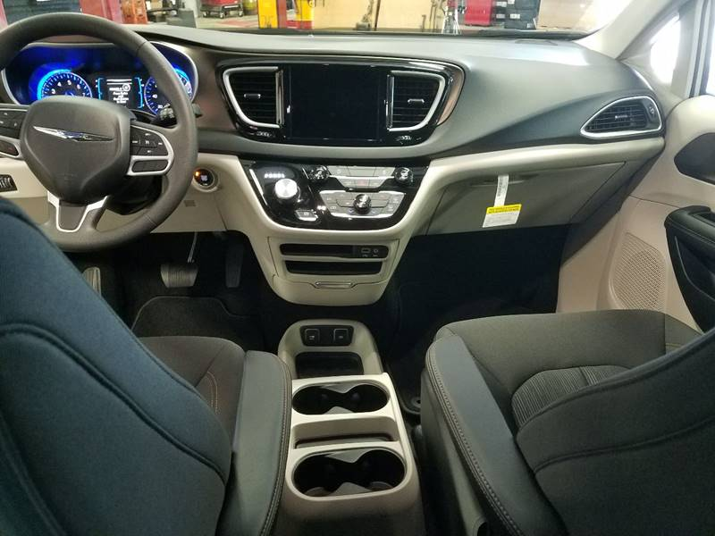 2017 Chrysler Pacifica for sale at Kalscheur Dodge Chrysler Ram in Cross Plains WI