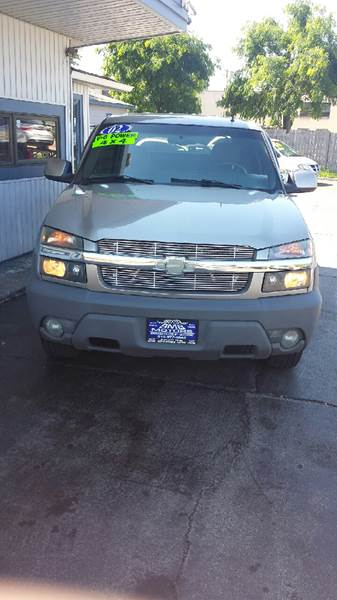 2002 Chevrolet Avalanche for sale at BMB Motors in Rockford IL