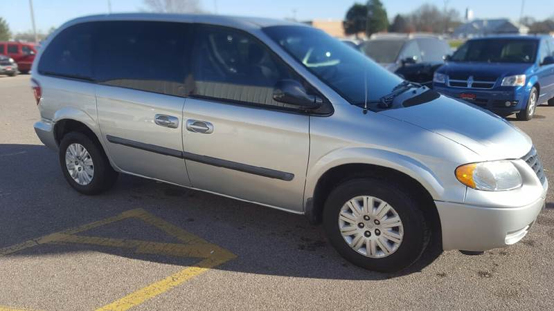 2006 Chrysler Town and Country for sale at Broadway Auto Sales in South Sioux City NE