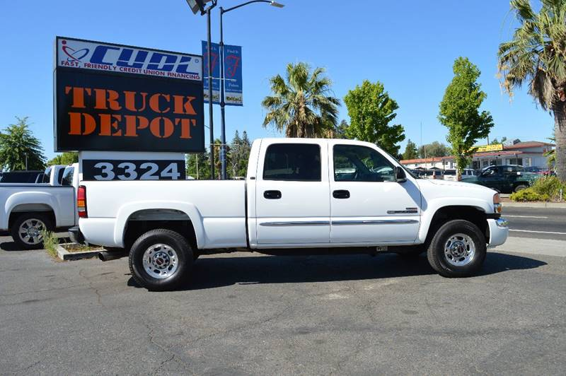 2005 GMC Sierra 2500HD for sale at Sac Truck Depot in Sacramento CA