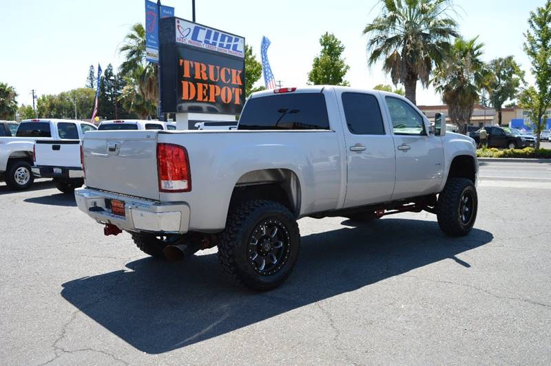 2007 GMC Sierra 2500HD for sale at Sac Truck Depot in Sacramento CA