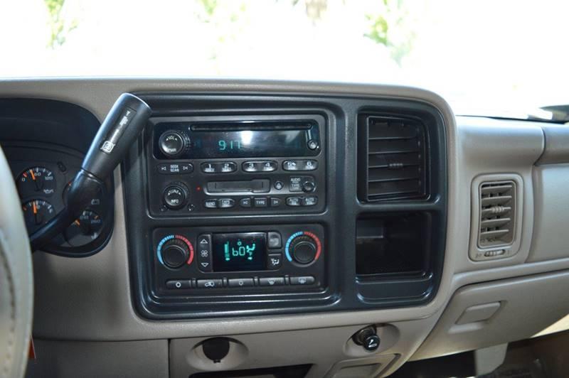 2005 GMC Sierra 2500HD for sale at Sac Truck Depot in Sacramento CA
