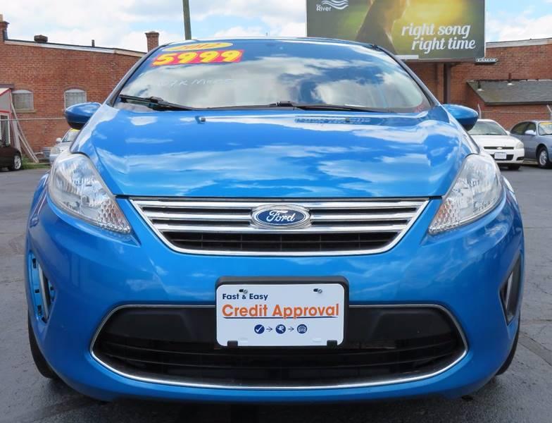 2012 Ford Fiesta SE 4dr Sedan - Columbus OH