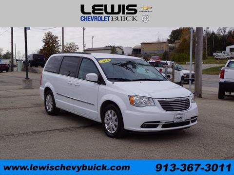 2016 Chrysler Town and Country for sale in Atchison, KS