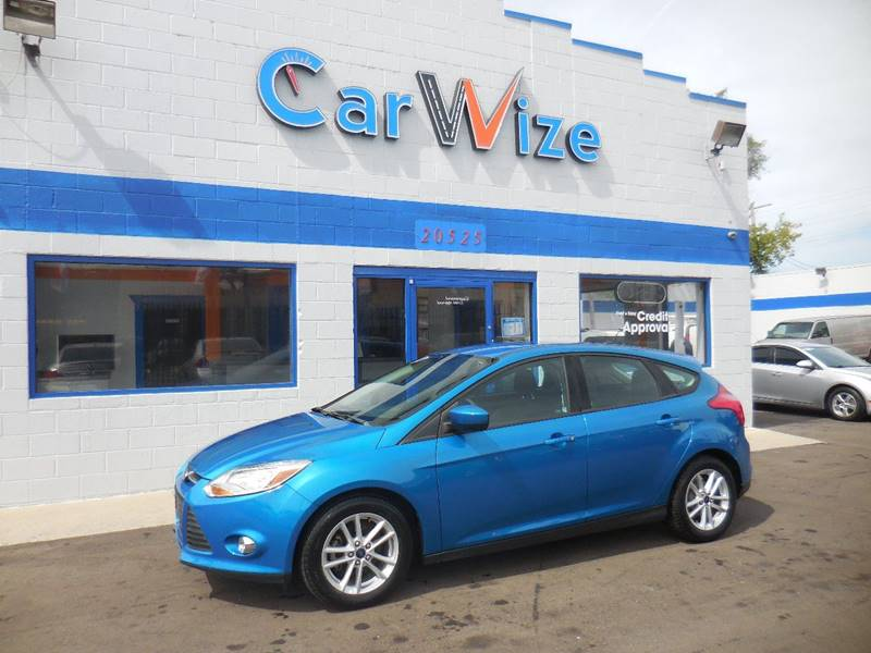 side details oxford white door view se photo right car ab automobiles ford image sedan lloydminster in focus new