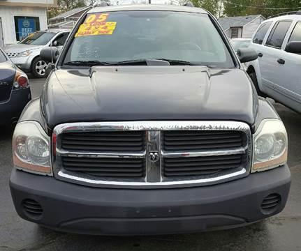 2005 Dodge Durango for sale at MAUS MOTORS in Hazel Crest IL