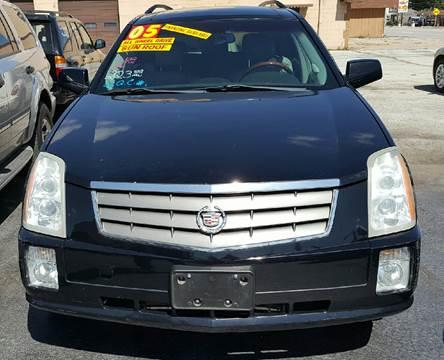 2005 Cadillac SRX for sale at MAUS MOTORS in Hazel Crest IL