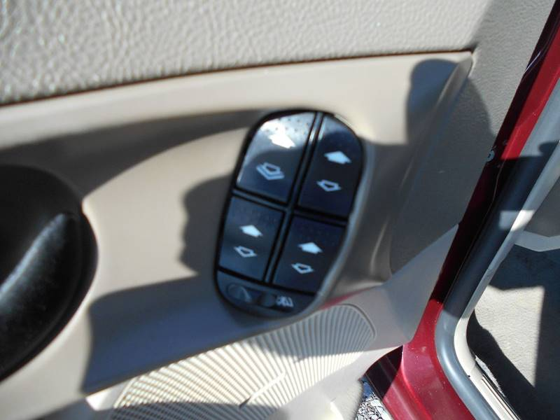 2007 Ford Focus ZX4 SES 4dr Sedan - Grove City PA