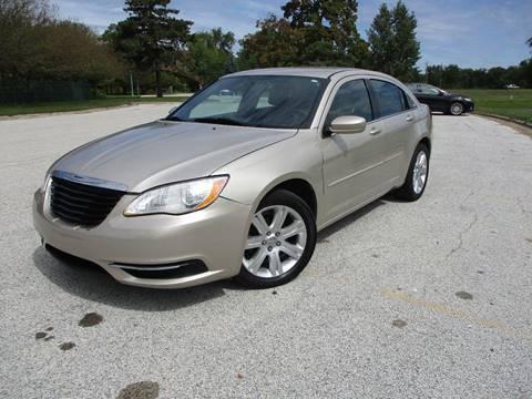 2013 Chrysler 200 for sale in Saginaw, MI