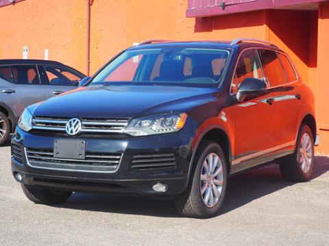 2011 Volkswagen Touareg for sale in Lindenhurst, NY