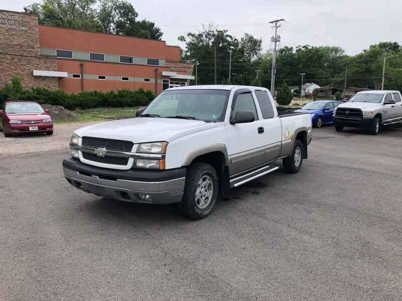 2003 Chevrolet Silverado 1500 for sale at DILLON LAKE MOTORS LLC in Zanesville OH